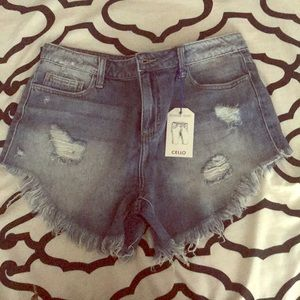Fray washed jean shorts